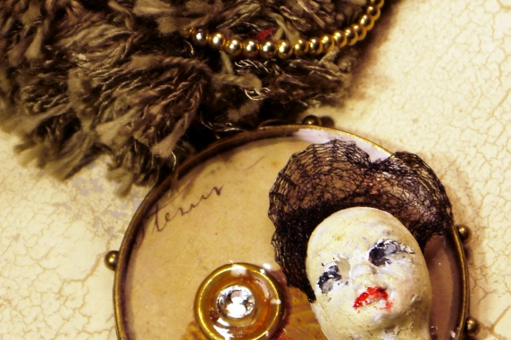Edwardian steampunk fringe necklace with face