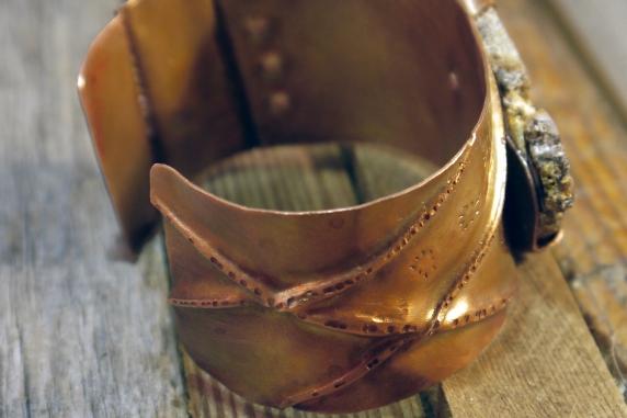 fold_formed_copper_agate_cuff_bracelet_jomama 3