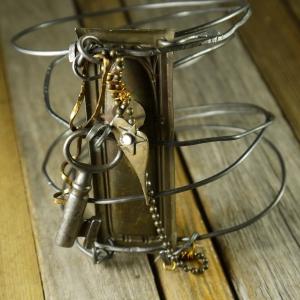 Industrial key hole steel wire bracelet